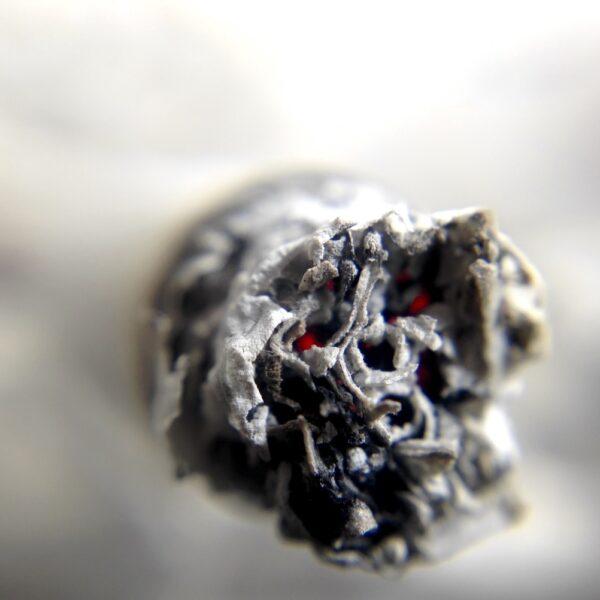 sigaret-askegel-stoppen-met-roken